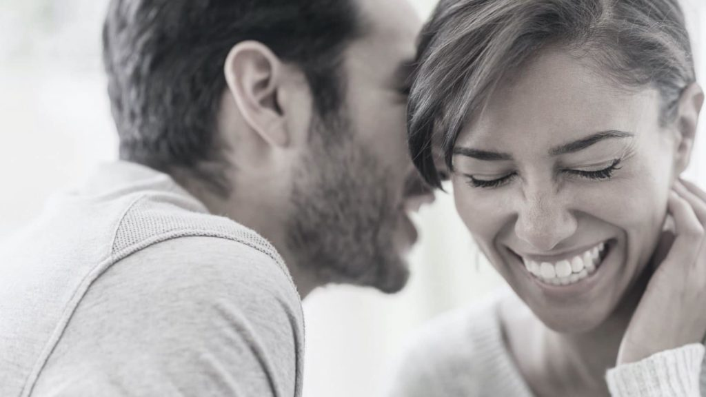 11 Behaviors Women Show When They Are With Their True Love